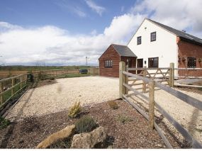The Kestral Dog Friendly Holiday Cottage Newton, Dorset | Pet friendly holidays